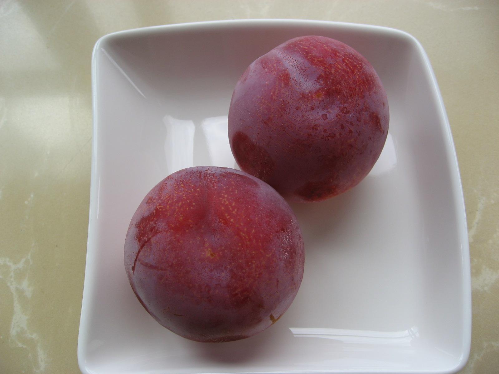 桃と同じくらいの大きさの贈答 ...